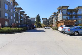"""Photo 2: 415 33539 HOLLAND Avenue in Abbotsford: Central Abbotsford Condo for sale in """"THE CROSSING"""" : MLS®# R2159342"""