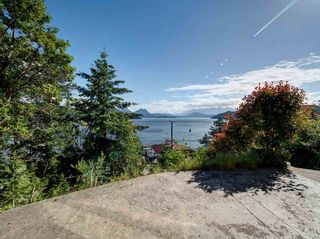 "Photo 19: 393 SKYLINE Drive in Gibsons: Gibsons & Area House for sale in ""The Bluff"" (Sunshine Coast)  : MLS®# R2272922"