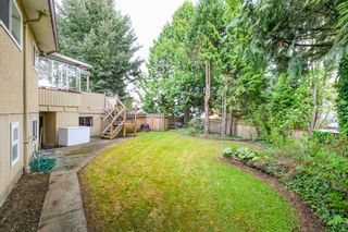 """Photo 16: 6882 YEOVIL Place in Burnaby: Montecito House for sale in """"Montecito"""" (Burnaby North)  : MLS®# V1119163"""