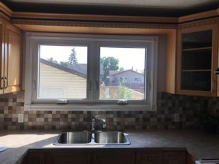 Photo 7: 27 WHITMIRE Road NE in Calgary: Whitehorn Detached for sale : MLS®# C4263620