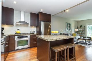 Photo 2: 314 1400 Lynburne Pl in VICTORIA: La Bear Mountain Condo for sale (Langford)  : MLS®# 840538