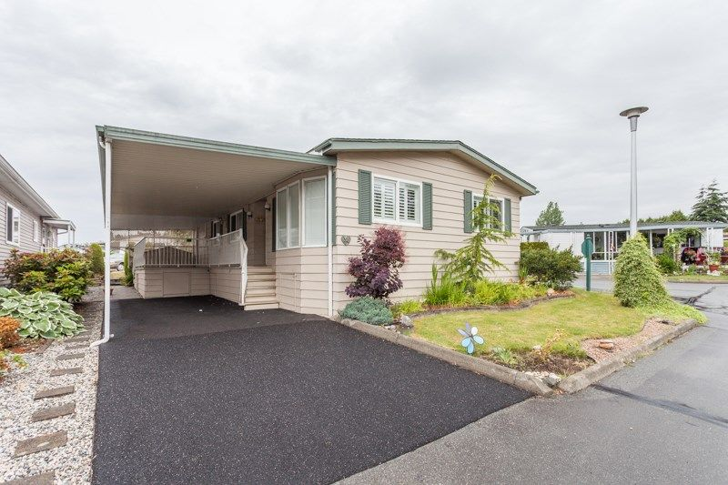 """Main Photo: 34 1640 162 Street in Surrey: King George Corridor Manufactured Home for sale in """"Cherry Brook Park"""" (South Surrey White Rock)  : MLS®# R2078301"""