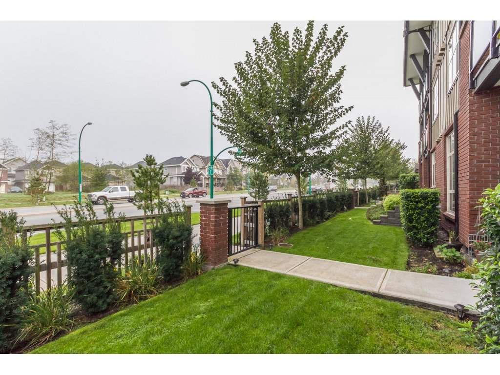 """Photo 18: Photos: 212 19201 66A Avenue in Surrey: Clayton Condo for sale in """"One92"""" (Cloverdale)  : MLS®# R2112521"""