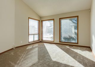 Photo 3: 147 Scenic Cove Circle NW in Calgary: Scenic Acres Detached for sale : MLS®# A1073490