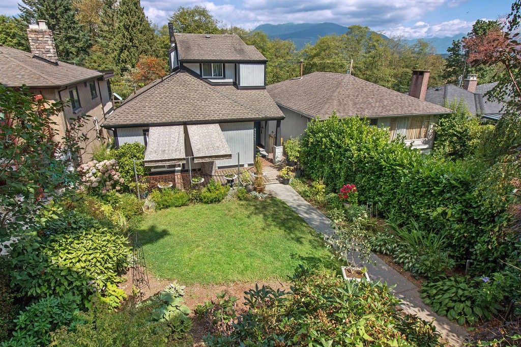 Main Photo: 4131 YALE Street in Burnaby: Vancouver Heights House for sale (Burnaby North)  : MLS®# R2196944