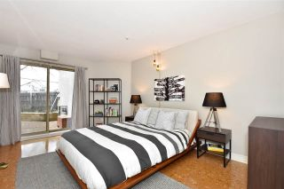"""Photo 13: 104 55 E 10TH Avenue in Vancouver: Mount Pleasant VE Condo for sale in """"ABBEY LANE"""" (Vancouver East)  : MLS®# R2265111"""