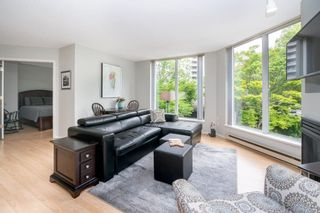 """Photo 5: 105 1135 QUAYSIDE Drive in New Westminster: Quay Condo for sale in """"ANCHOR POINTE"""" : MLS®# R2587882"""