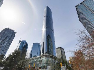 """Photo 1: 4703 938 NELSON Street in Vancouver: Downtown VW Condo for sale in """"One Wall Centre"""" (Vancouver West)  : MLS®# R2155390"""