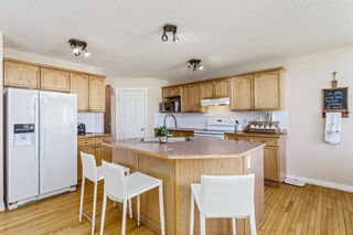 Photo 7: 403 Cresthaven Place SW in Calgary: Crestmont Detached for sale : MLS®# A1101829