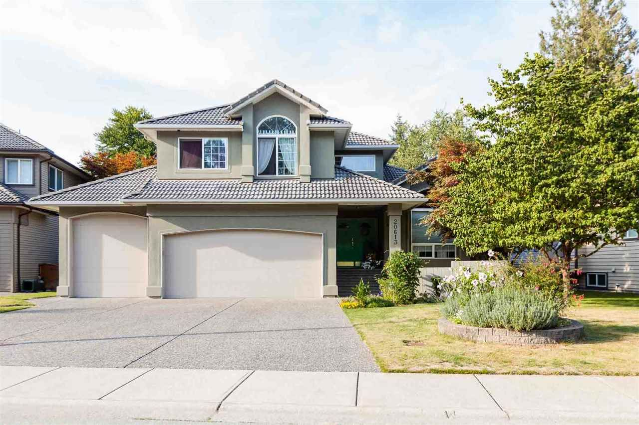 Main Photo: 20613 125 Avenue in Maple Ridge: Northwest Maple Ridge House for sale : MLS®# R2410985