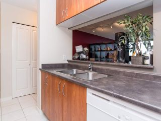 """Photo 10: 2410 3663 CROWLEY Drive in Vancouver: Collingwood VE Condo for sale in """"LATITUTDE"""" (Vancouver East)  : MLS®# R2140003"""