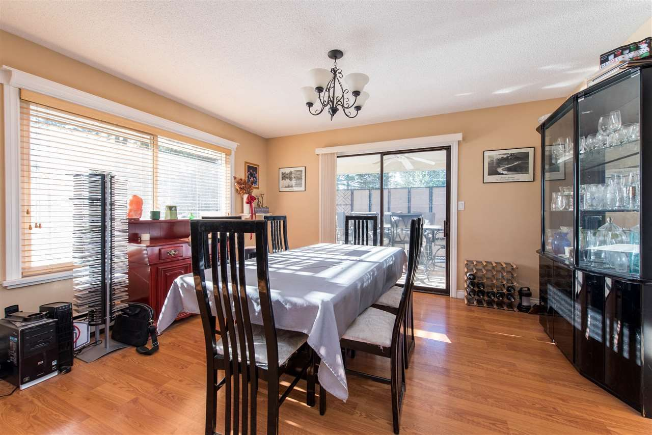 Photo 7: Photos: 2584 SUNNYSIDE Crescent in Abbotsford: Abbotsford West House for sale : MLS®# R2551772