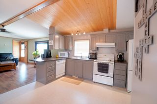 Photo 12: 31 North Drive in Portage la Prairie RM: House for sale : MLS®# 202117386