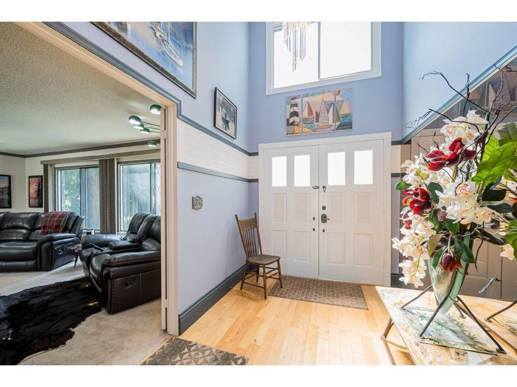 Photo 3: Photos: 26019 58 Avenue in Langley: County Line Glen Valley House for sale : MLS®# R2599684