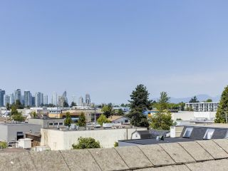 Photo 20: 132 6588 SOUTHOAKS Crescent in Burnaby: Highgate Townhouse for sale (Burnaby South)  : MLS®# R2600972