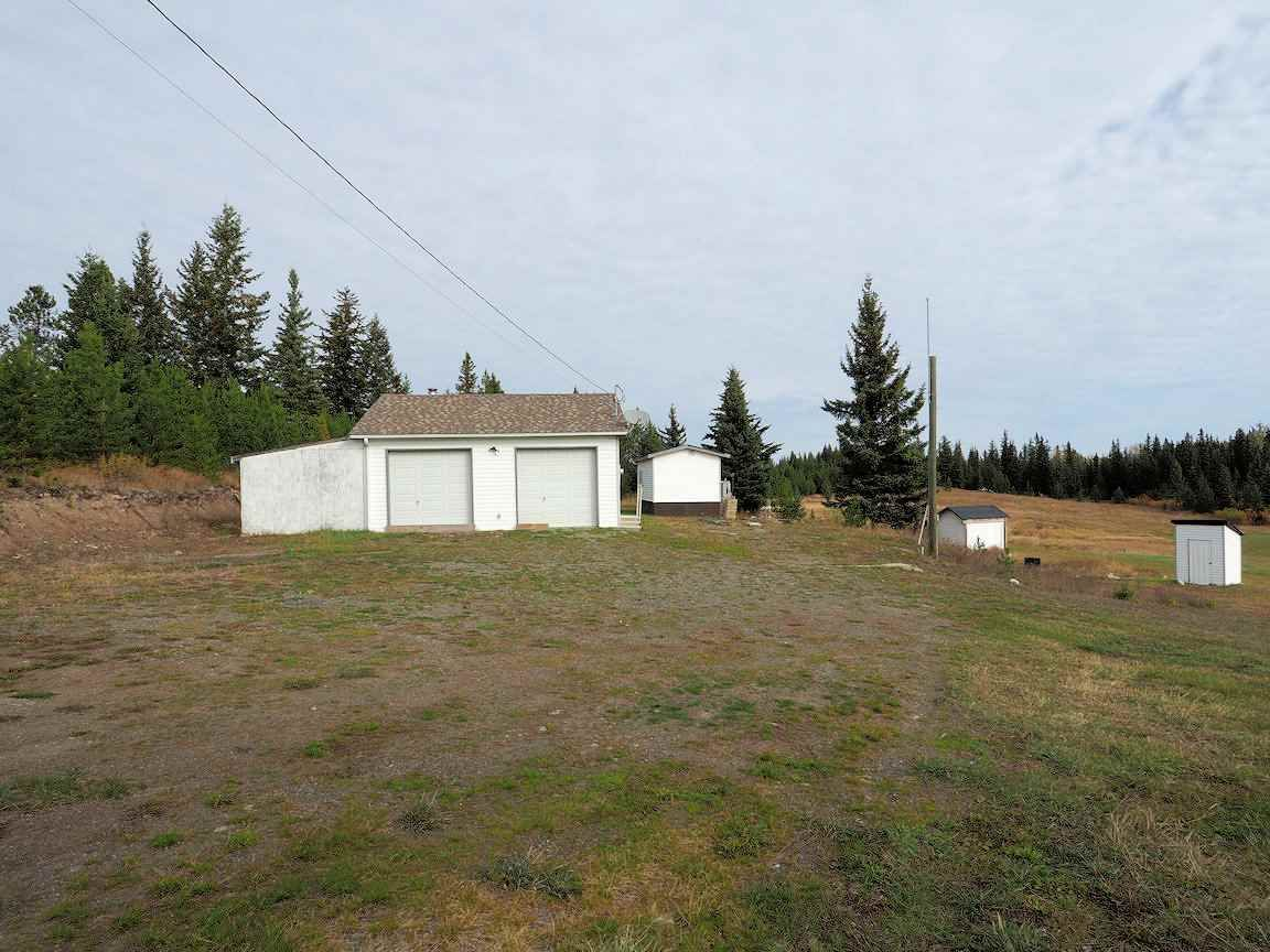 Photo 3: Photos: 6973 INMAN Road in Lone Butte: Lone Butte/Green Lk/Watch Lk House for sale (100 Mile House (Zone 10))  : MLS®# R2409054