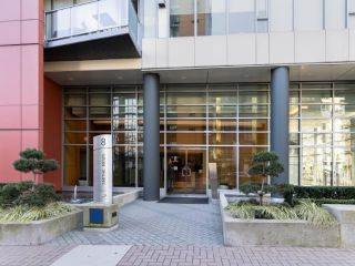 """Photo 35: 1802 8 SMITHE Mews in Vancouver: Yaletown Condo for sale in """"Flagship"""" (Vancouver West)  : MLS®# R2577399"""