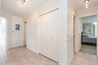 "Photo 17: 301 14934 THRIFT Avenue: White Rock Condo for sale in ""Villa Positano"" (South Surrey White Rock)  : MLS®# R2538501"