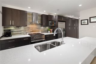Photo 10: 3002 1199 MARINASIDE Crescent in Vancouver: Yaletown Condo for sale (Vancouver West)  : MLS®# R2329251