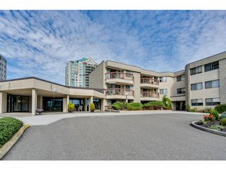 """Photo 1: 116 31955 OLD YALE Road in Abbotsford: Abbotsford West Condo for sale in """"Evergreen Village"""" : MLS®# R2620283"""
