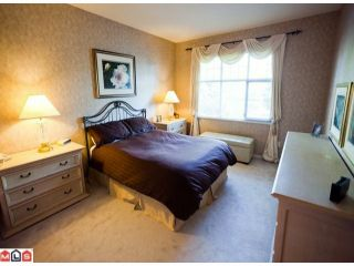 """Photo 8: 23 15020 27A Avenue in Surrey: Sunnyside Park Surrey Townhouse for sale in """"ST. MARTINS LANE"""" (South Surrey White Rock)  : MLS®# F1125537"""