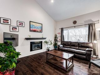 Photo 4: 51 5810 Patina Drive SW in Calgary: Patterson Row/Townhouse for sale : MLS®# A1070595