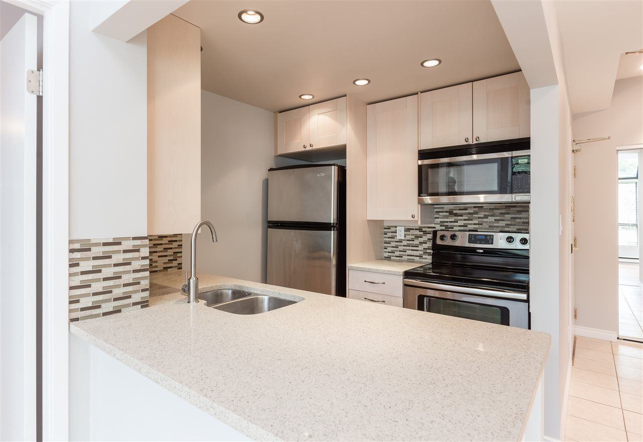 Main Photo: 102 838 AGNES STREET in : Downtown NW Condo for sale : MLS®# R2180674