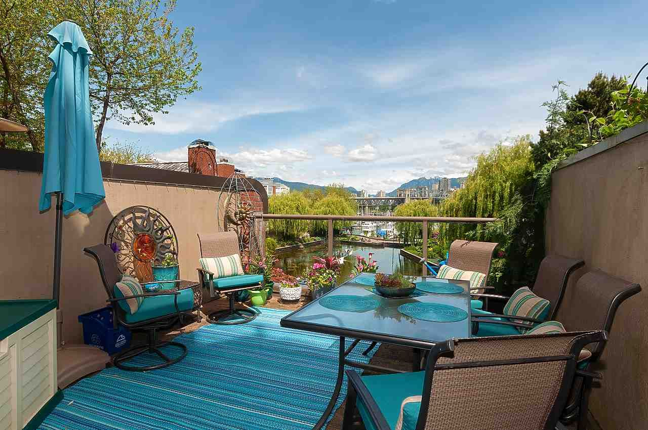 """Main Photo: 207 1515 W 2ND Avenue in Vancouver: False Creek Townhouse for sale in """"Island Cove"""" (Vancouver West)  : MLS®# R2429780"""