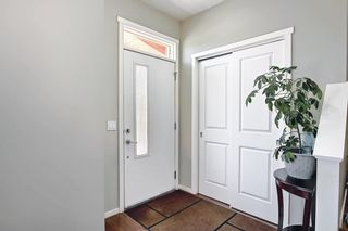 Photo 4: 39 Chapalina Square SE in Calgary: Chaparral Row/Townhouse for sale : MLS®# A1121993