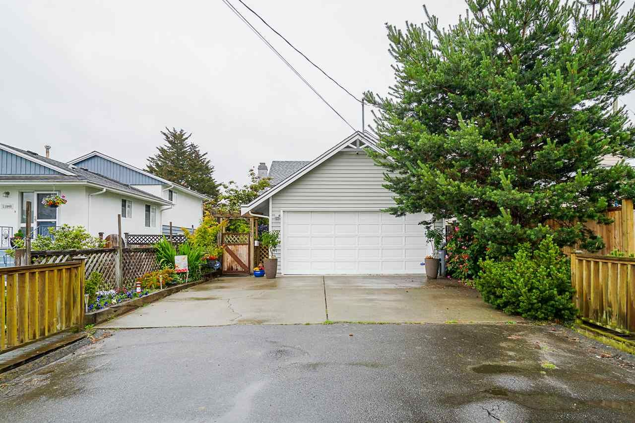 Main Photo: 11860 4TH AVENUE in Richmond: Steveston Village House for sale : MLS®# R2464256