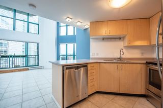 """Photo 7: 619 22 E CORDOVA Street in Vancouver: Downtown VE Condo for sale in """"Van Horne"""" (Vancouver East)  : MLS®# R2334498"""