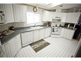 """Photo 2: 33 997 20 Highway in Williams Lake: Williams Lake - Rural West Manufactured Home for sale in """"CHILTCOTIN ESTATES"""" (Williams Lake (Zone 27))  : MLS®# N234387"""