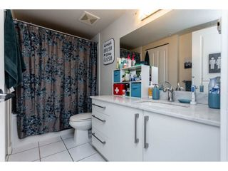 """Photo 18: 404 15775 CROYDON Drive in Surrey: Grandview Surrey Condo for sale in """"Morgan Crossing"""" (South Surrey White Rock)  : MLS®# R2293200"""