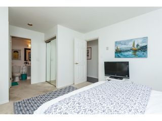 """Photo 13: 1137 ELM Street: White Rock Townhouse for sale in """"Marine Court"""" (South Surrey White Rock)  : MLS®# R2401346"""