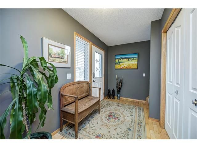 Photo 6: Photos: 137 COVE Court: Chestermere House for sale : MLS®# C4090938