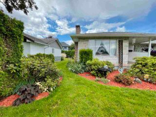 Photo 4: 8561 BROADWAY Street in Chilliwack: Chilliwack E Young-Yale House for sale : MLS®# R2593236