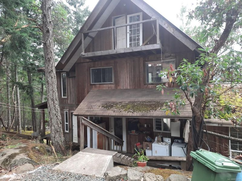 FEATURED LISTING: 265 Coho Blvd