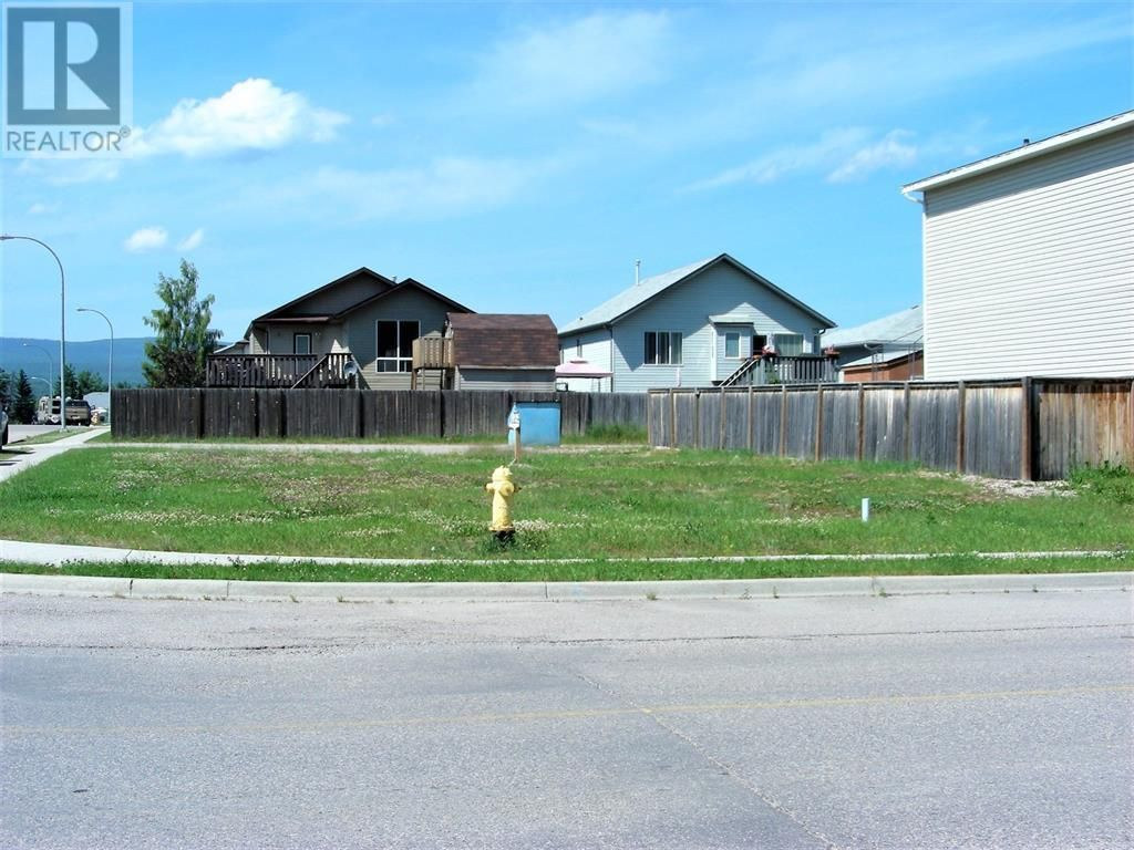 Main Photo: 293 BOUTIN AVE in Hinton: Vacant Land for sale : MLS®# A1154205