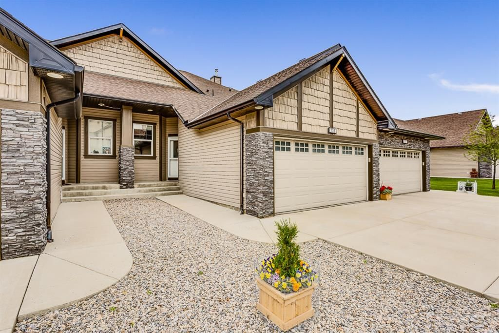 Main Photo: 135 100 COOPERS Common SW: Airdrie Row/Townhouse for sale : MLS®# A1014951