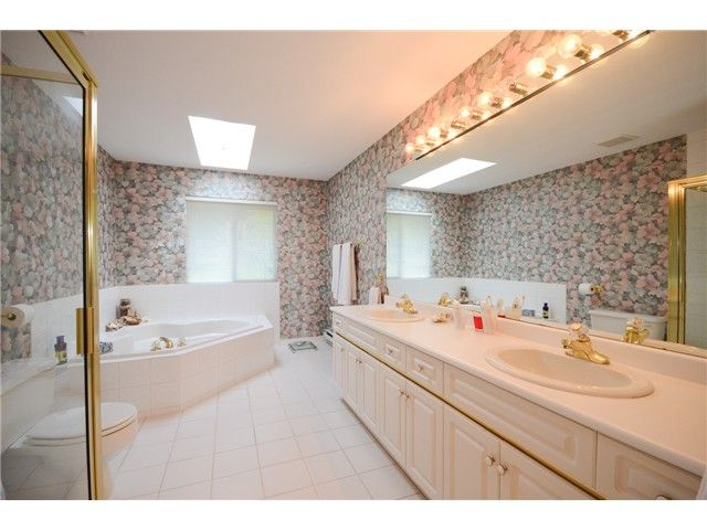 """Photo 11: Photos: 1648 SPYGLASS Crescent in Tsawwassen: Cliff Drive House for sale in """"Imperial Village"""" : MLS®# V1114197"""