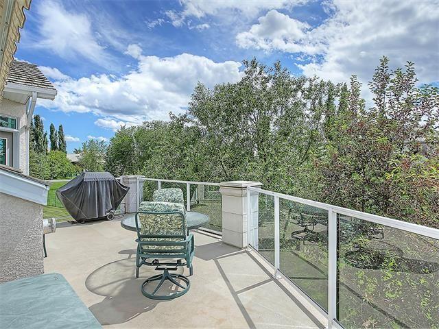 Photo 15: Photos: 315 MT DOUGLAS Court SE in Calgary: McKenzie Lake House for sale : MLS®# C4068873