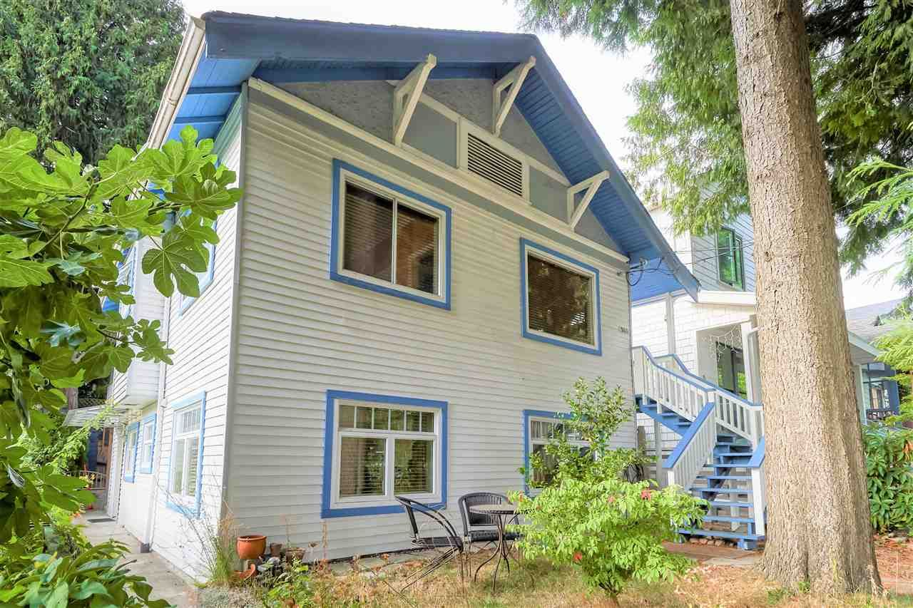 """Main Photo: 946 E 24TH Avenue in Vancouver: Fraser VE House for sale in """"FRASER"""" (Vancouver East)  : MLS®# R2405717"""