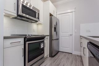 """Photo 3: 405 2229 ATKINS Avenue in Coquitlam: Central Pt Coquitlam Condo for sale in """"Downtown Pointe"""" (Port Coquitlam)  : MLS®# R2440972"""