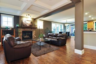 """Photo 2: 410 TRINITY Street in Coquitlam: Central Coquitlam House for sale in """"Dartmoor/River Heights"""" : MLS®# R2421890"""