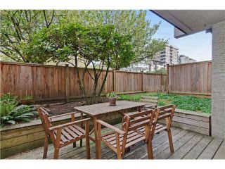 """Photo 2: 103 312 CARNARVON Street in New Westminster: Downtown NW Condo for sale in """"CARNARVON TERRACE"""" : MLS®# V1120708"""