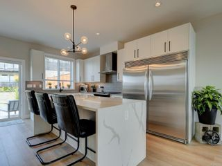 Photo 8: 2379 Azurite Cres in : La Bear Mountain House for sale (Langford)  : MLS®# 881405