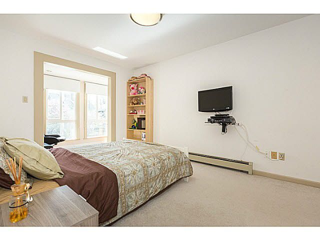 """Photo 15: Photos: 5825 MAPLE Street in Vancouver: Kerrisdale House for sale in """"KERRISDALE"""" (Vancouver West)  : MLS®# V1113298"""