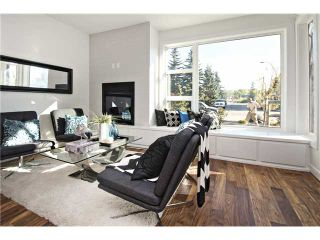 Photo 2: 2 4733 17 Avenue NW in Calgary: Montgomery Townhouse for sale : MLS®# C3651409