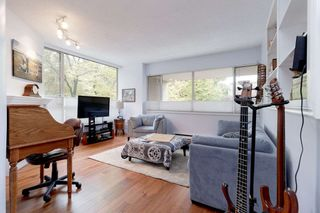 "Photo 6: 202 2668 ASH Street in Vancouver: Fairview VW Condo for sale in ""CAMBRIDGE GARDENS"" (Vancouver West)  : MLS®# R2510443"