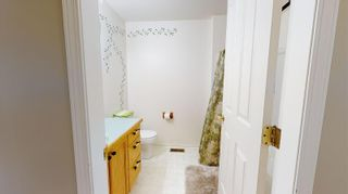 Photo 37: 1711 Davies Road, in Sorrento: House for sale : MLS®# 10233296